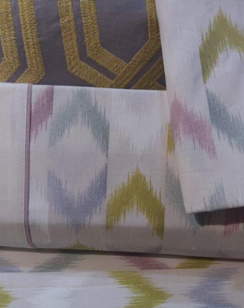 01-sabanas-blancas-flechas-colores