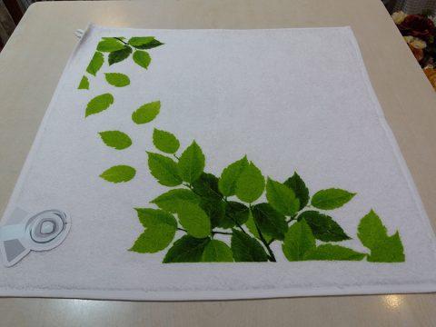 02-paño-cocina-blanco-hojas-verdes