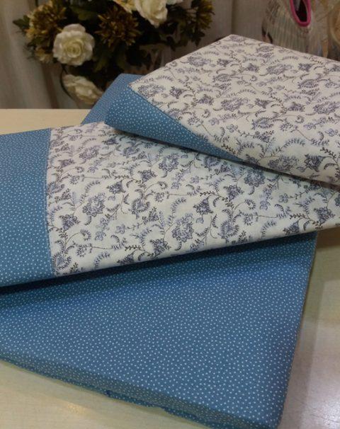 02-sabanas-azules-blancas-flores