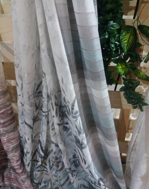 tejido estampado floral tonos fríos